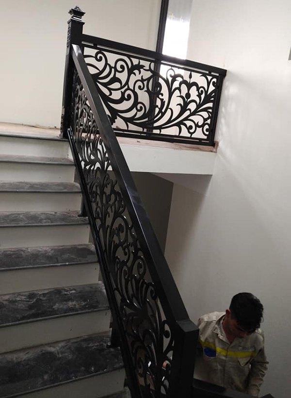 Bất ngờ 30 mẫu cầu thang sắt CNC nghệ thuật đẹp lạ, độc đáo