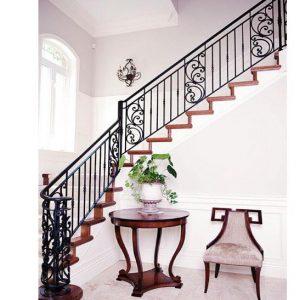 Cầu thang sắt mặt bậc gỗ