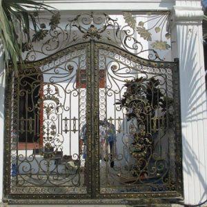 Sản phẩm cửa cổng sắt mỹ thuật