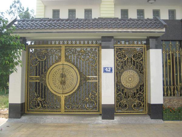 Cổng sắt 2 cánh hoa văn - cổng nhà đẹp