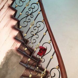 Thi công cầu thang sắt đẹp