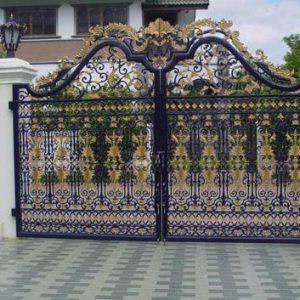 Cửa cổng sắt
